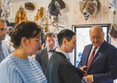 Для предпринимателей создадут объединенную торговую площадку для продажи сувенирной продукции с символикой Камчатки
